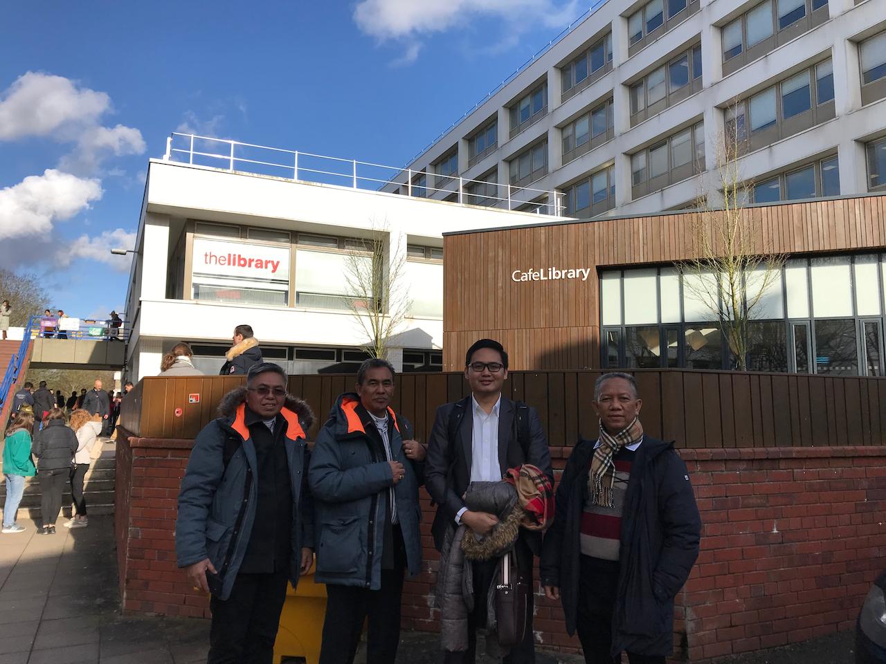 Pimpinan Universitas Islam Riau mengunjungi Warwick University, Coventry, UK